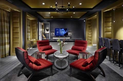 Graceland-Guest-House-Elvis-Suite-Parlor
